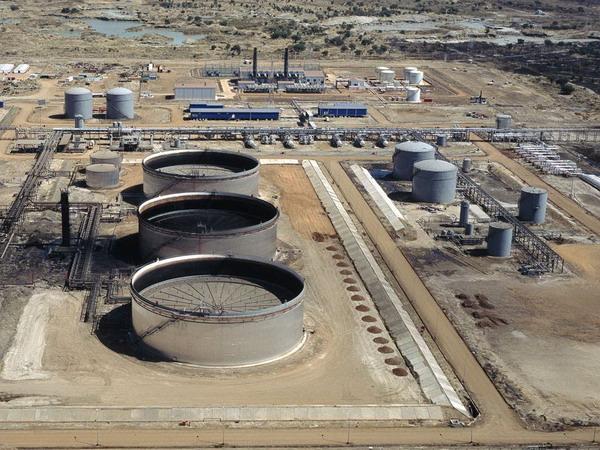非洲石油储罐库区