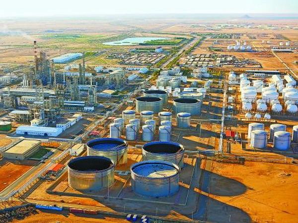 国外石油储罐库区安装