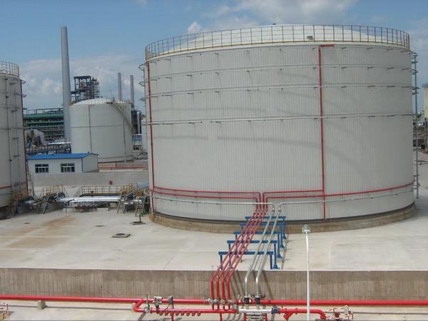 石油库区大型油罐
